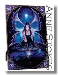 Anne Stokes